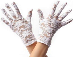 guantes de encaje blancos